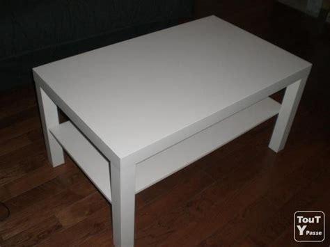 table basse ikea blanche presque neuve