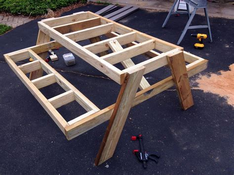 build  picnic table    day