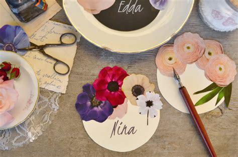 segnaposti con fiori come fare dei segnaposto con fiori di carta tutorial