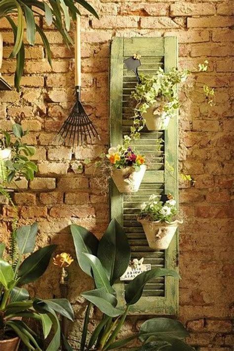 Deko Ziegelwand Garten by Die Fensterl 228 Den Die Romantische Bekleidung Der Fenster