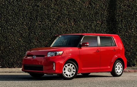 Kia Scion Price Scion Xb Vs Kia Soul Photo Comparison Pricing Specs
