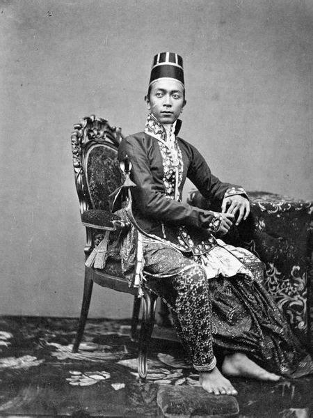 Batik Sultan B file collectie tropenmuseum een zoon de sultan hb vi