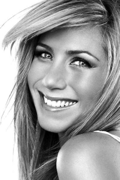 Jennifer Aniston beautiful smile with white teeth