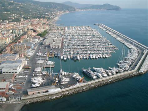 porto lavagna 1400 posti barca porto di lavagna marinanow