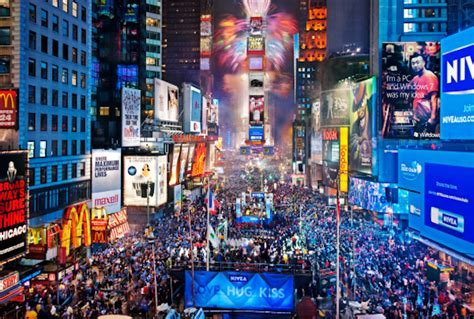 are there bathrooms in times square on nye new years eve 2014 watch the ball drop in times square