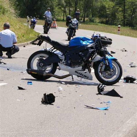 E Bike Unfall Baden by Zwei Biker Sterben Bei Frontalzusammensto 223 Im Kreis Reutlingen