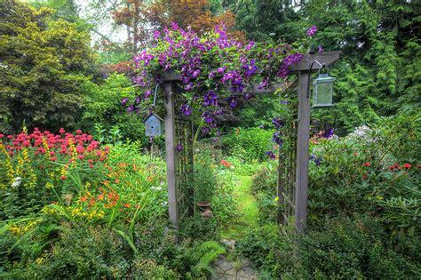 Garden Arbor Cheap How To Build Garden Arbors And Keep The Project Cheap