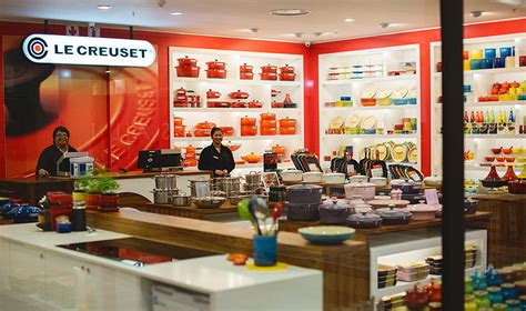 shopping hours le creuset enjoy extended trading hours at le creuset