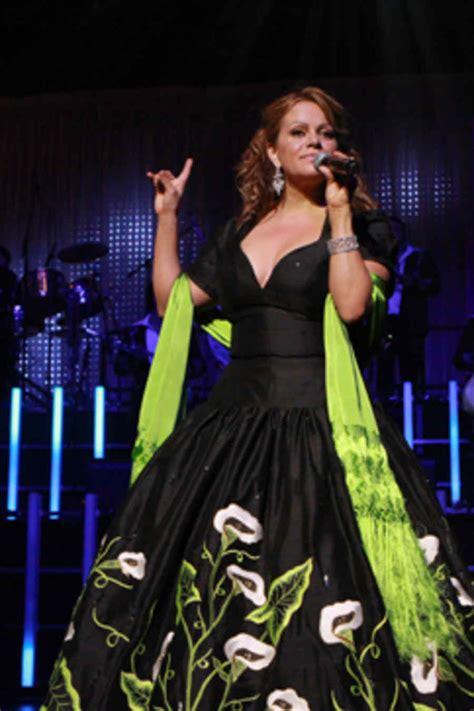 imagenes del vestido de novia de jenny rivera tributo a jenni rivera concierto la gran se 241 ora