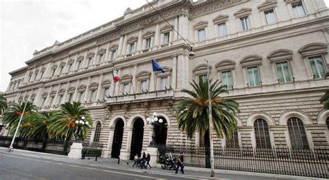 banca d italia debito pubblico bankitalia nuovo record debito pubblico a marzo 2