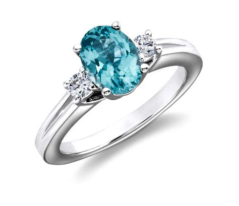 blue topaz and ring in 18k white gold 8x6mm