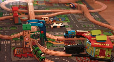 thomas the train brio set brio train track high speed set up staring diesel from