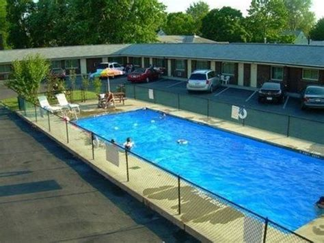 Car Rental Swiss Cottage by Swiss Cottage Inn In Niagara Falls Hotel Rates Reviews