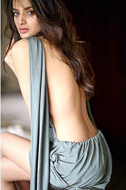 Nidhhi Agerwal Hot And Sexy Munna Michael Actress Photos Wiki Height