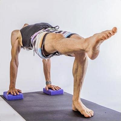 dynamic boat pose the best yoga poses for men explained by 42 expert yogis