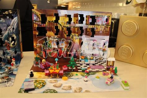 Calendrier De L Avent Lego Friends 2014 Toyzmag 187 Lego Pr 233 Sente Ses Produits Phares Pour No 235 L