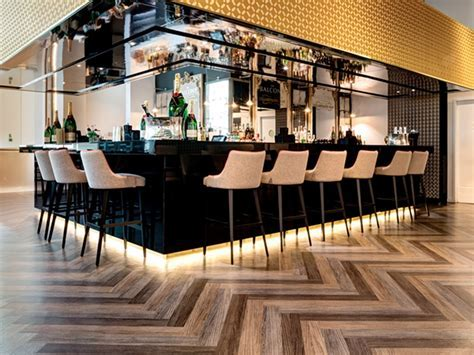 Restaurant Flooring   Commercial flooring for restaurants