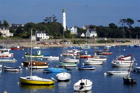 Location de voiliers et de catamarans en Bretagne Sud