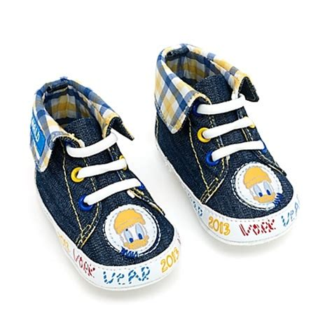 donald duck shoes 1000 images about i donald duck on