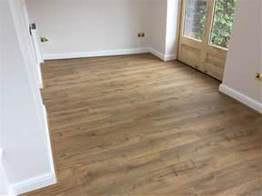 quickstep impressive classic oak im1848 laminate