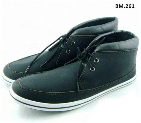Sepatu Black Master 16 sepatu santai frontback