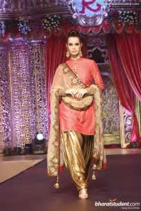 Ways To Drape Dupatta On Lehenga 10 New Dupatta Draping Styles For Salwar Suit Lehenga