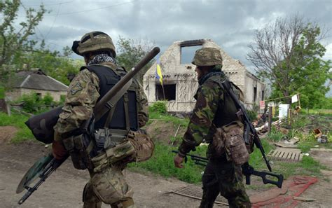 ukraine war ukrainian army brutal firefight with russia donetsk republic claims ukraine army uses chemical weapons