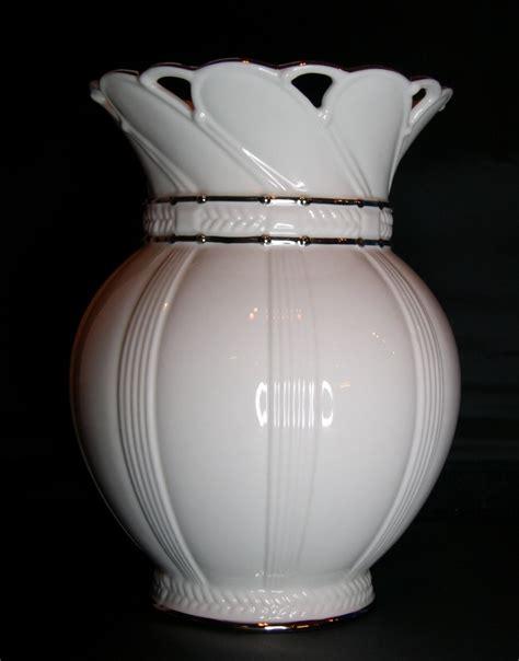 Lenox Vase Value by Lenox Artiste Bone China Porcelain Platinum Vase For Sale