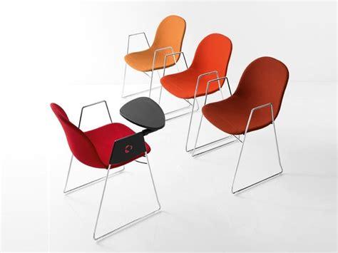 sedia con ribaltina academy sedia da conferenza con braccioli by calligaris