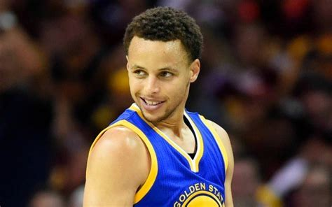 steph curry helps bring warriors game 4 win nba finals