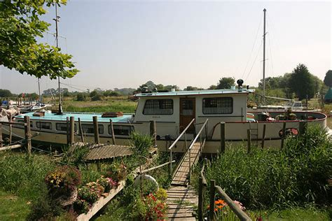 kentucky house boats house boat photo picture image sandwich kent sandwich uk