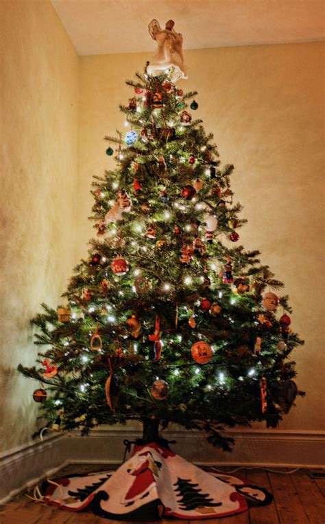 big christmas tree in small room small space tree ideas apartment therapy
