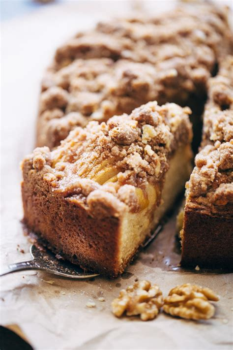 cinnamon crumb coffee cake cinnamon apple crumb cake recipe spice jar