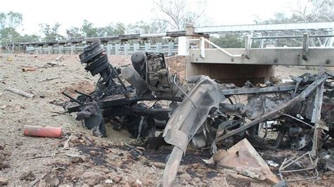 boat crash qld truck hauling ammonium nitrate explodes in outback