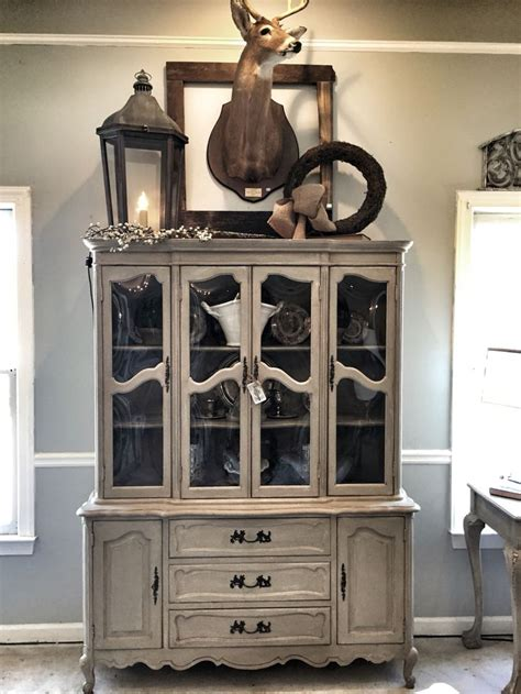 diy chalk paint hutch 1000 ideas about refinished china cabinet on