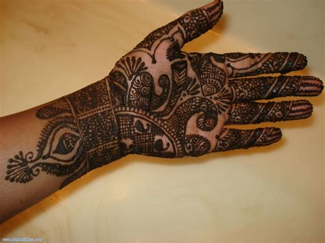 indian henna tattoo on hands indian sudani arabic arabian mehndi