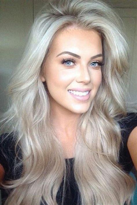 Stylish Eve Gray Hair | foto 3 38 haarfarben trend platin blond