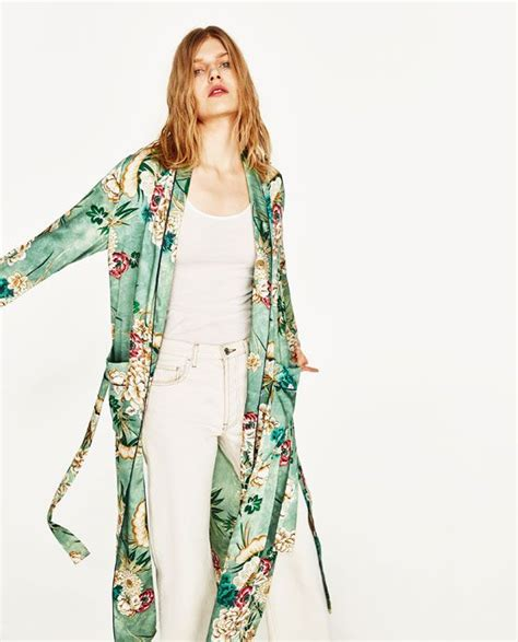 Atasan Kimono Zara Flower Line printed kimono from zara sp17 fashion knockoffs grace galle