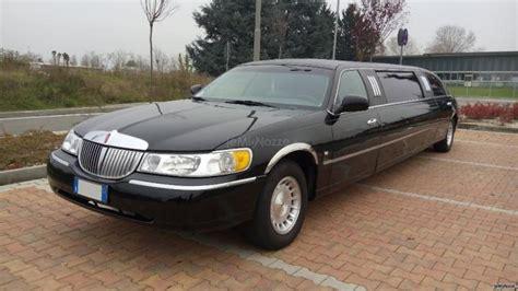 noleggio limousine pavia obertelli autonoleggio limousine lincoln town car per