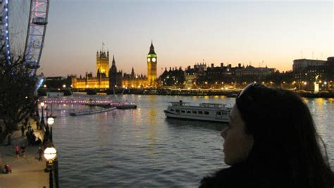 thames river jobs meet the funeral director who quit her job to travel the