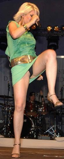 Singers Showing Upskirt While On Stage Real Girls Stripping In Public Upskirts Downblouses