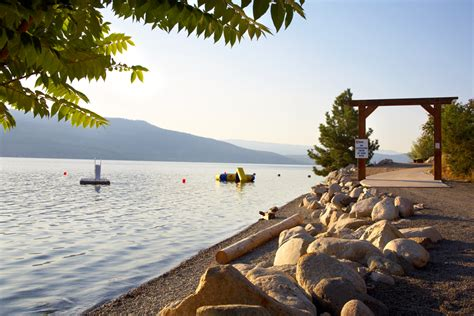 la casa cottage resort top 10 beaches in the okanagan la casa cottages
