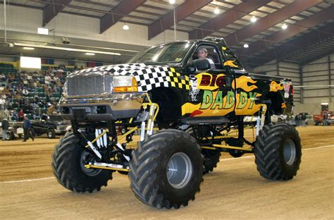 videos de monster truck 4x4 im 225 genes de monster truck cami 243 n monstruo lista de carros