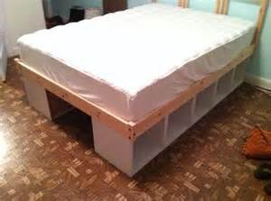 Diy Platform Bed Using Shelves Even Better Than Bed Risers O R G A N I Z I N G P R O D
