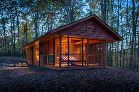log cabin hides secret just take one look