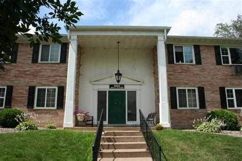 Colonial Appartments by Colonial Apartments Rentals Chippewa Falls Wi