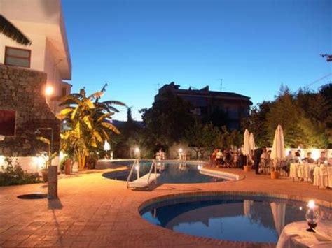 assinos palace hotel giardini naxos recensioni hotel giardini naxos prenota alberghi visit italy