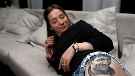 f 227 encontra messi depois de fazer tatuagem do rosto