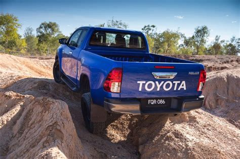 toyota hilux new model 2016 new 2016 toyota hilux pricing and specs pat callinan s
