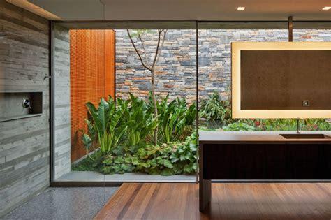 garden bathroom ideas arquitetura casa v4 de marcio kogan decora 231 227 o pra casa